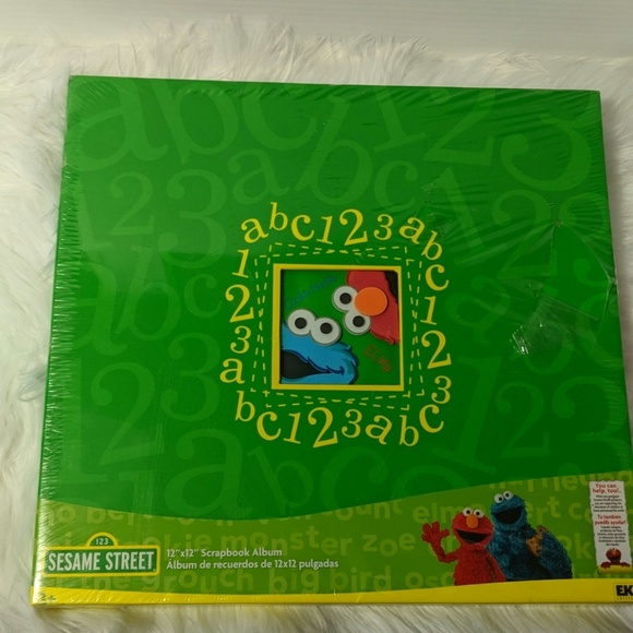 EK Success Other - SESAME STREET 12X12 Scrapbook Album